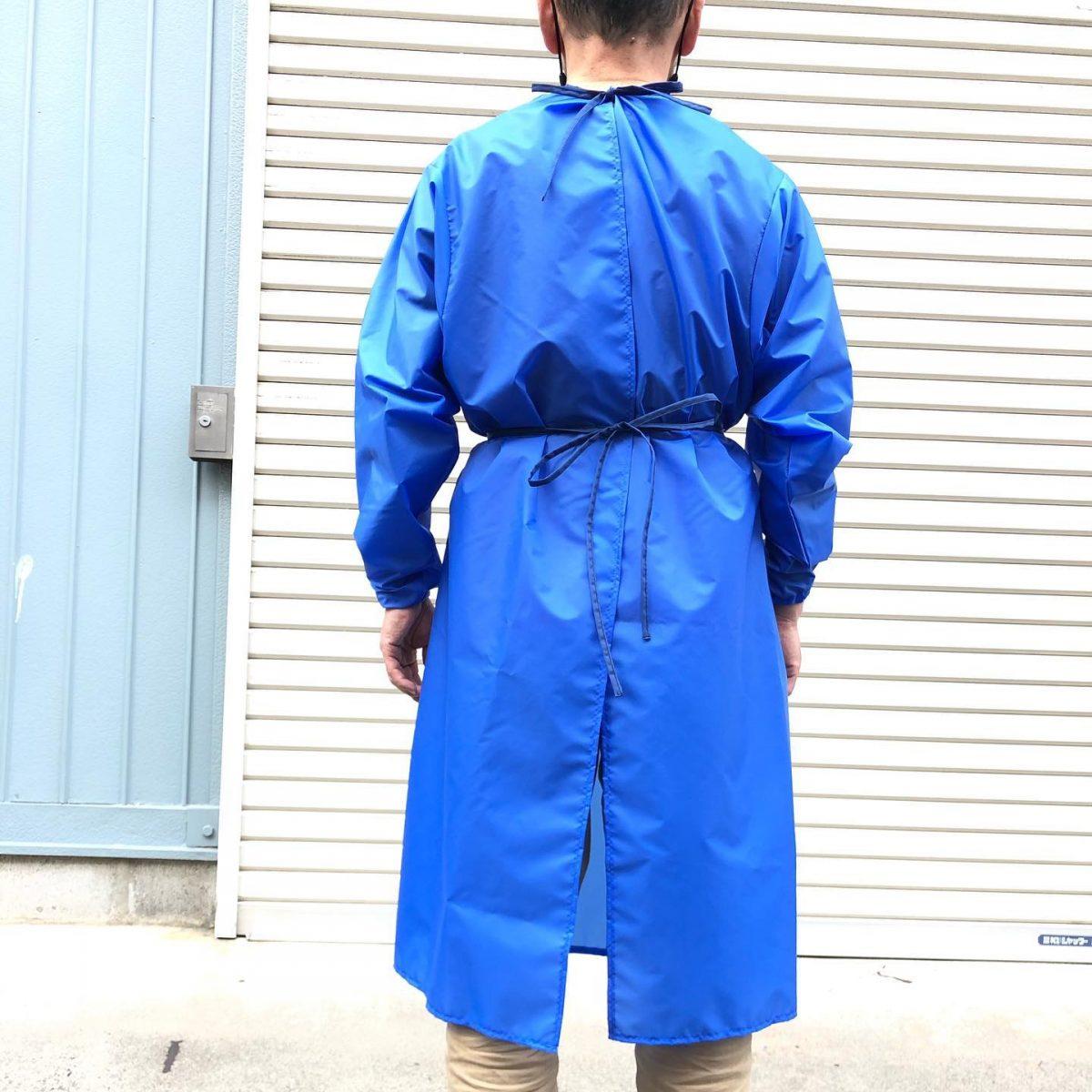 服 防護 ゴミ 袋 学校職員がポリエチレン袋で防護服の代用品づくり 大阪